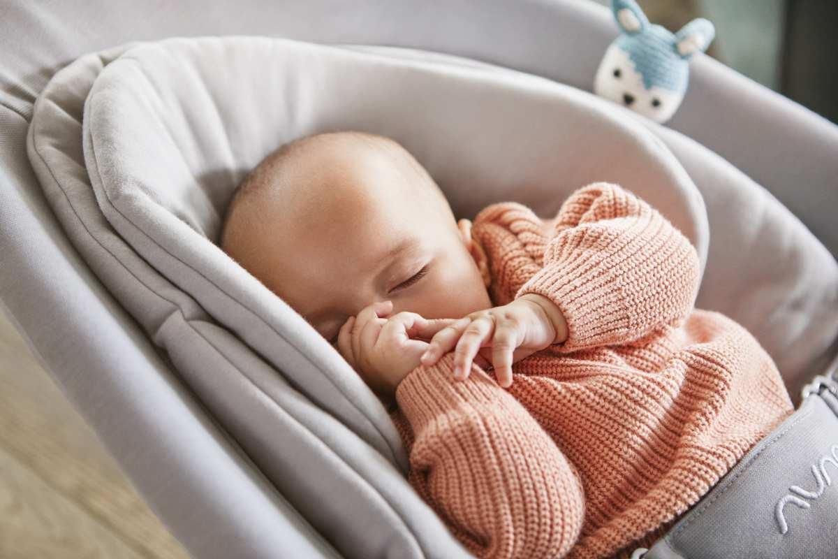 Silla Mecedora para bebé Nuna Leaf Curv de 0 hasta 60 kilos. Unica y genial, te ayuda todos los dias a relajar tu bebé y que pueda encontrar su sueño.